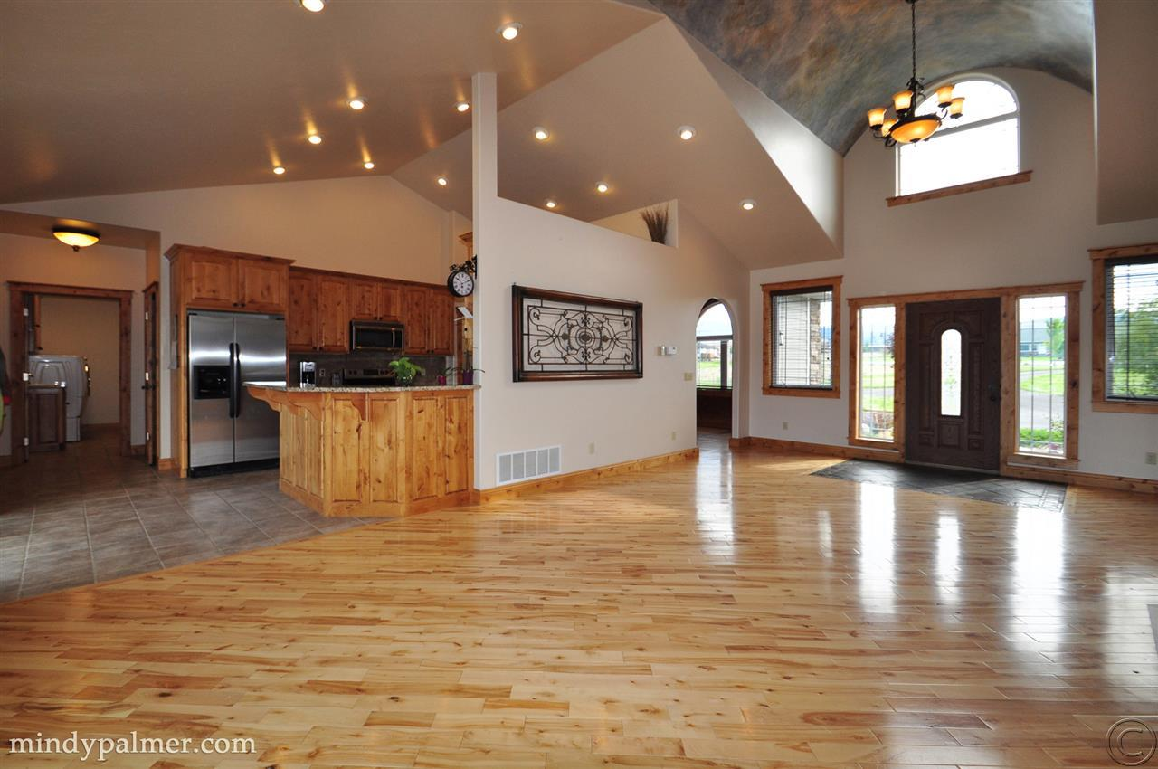 5635 Fairview Ln, Florence, MT 59833