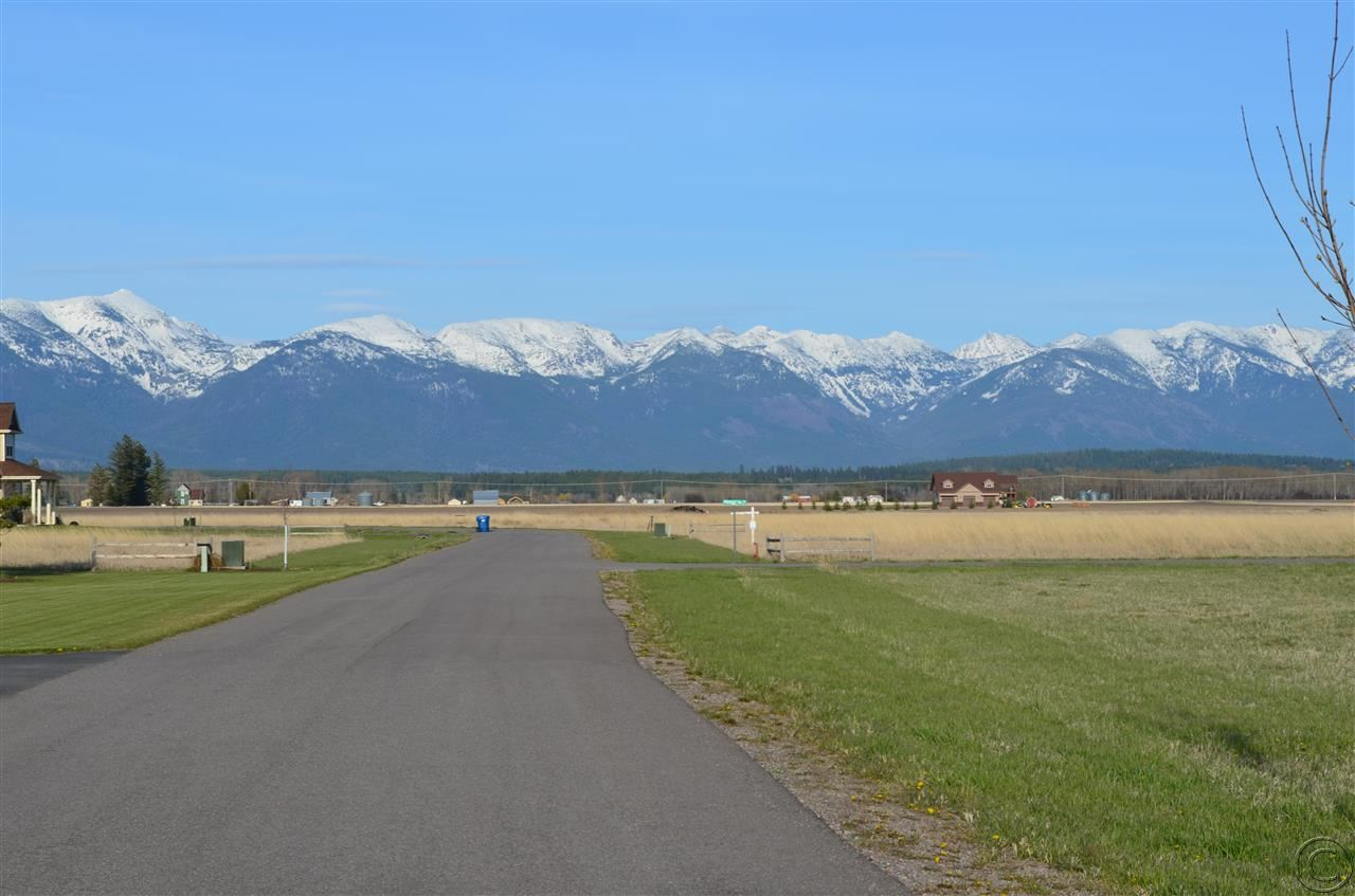 1069 Pheasant Haven Dr, Kalispell, MT 59901