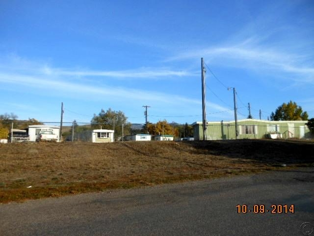 506 W 1st St, Plains, MT 59859
