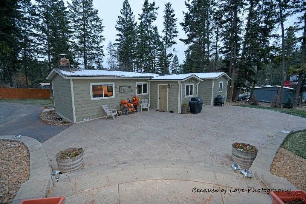 152 Woodacres Dr, Lakeside, MT 59922