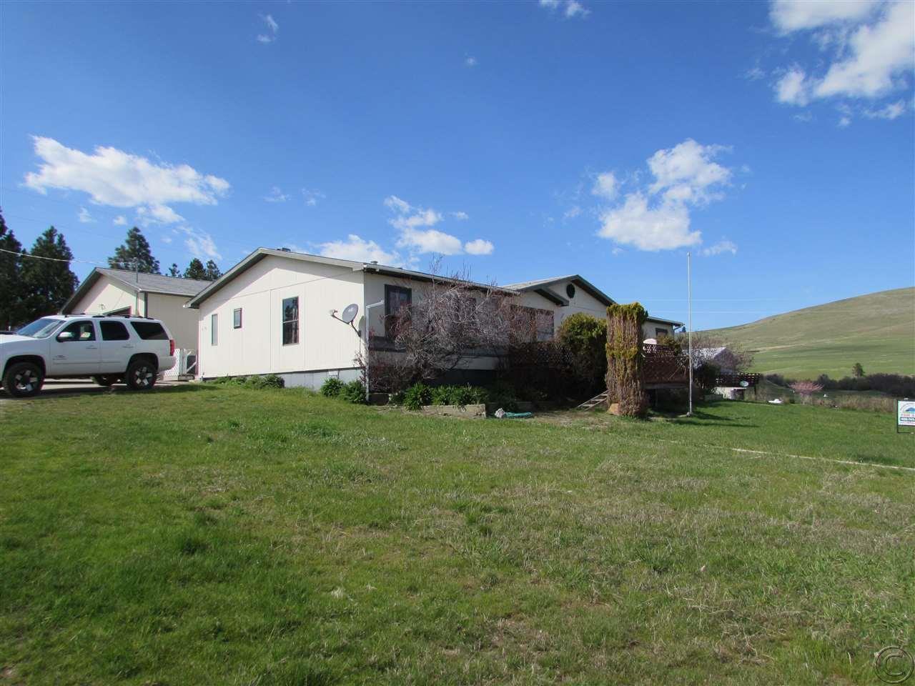 614 3rd Ave N, Hot Springs, MT 59845