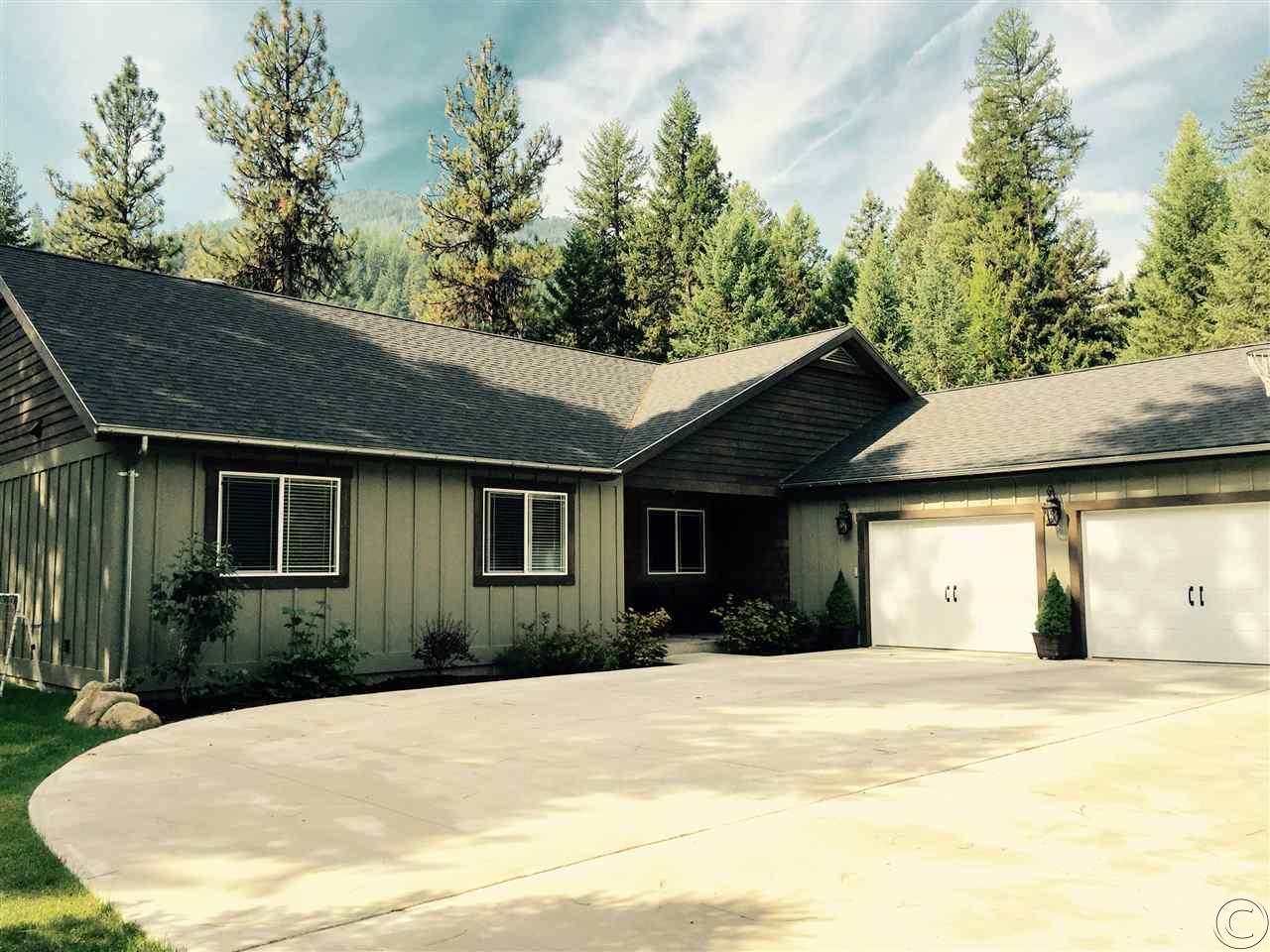 1042 Trestle Creek Dr, St Regis, MT 59866