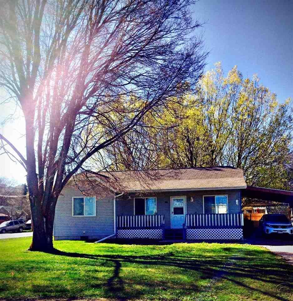 608 10th Ave E, Polson, MT 59860