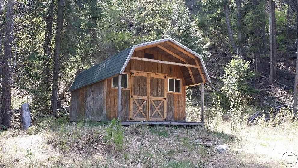 3 Ward Creek Rd, St Regis, MT 59866