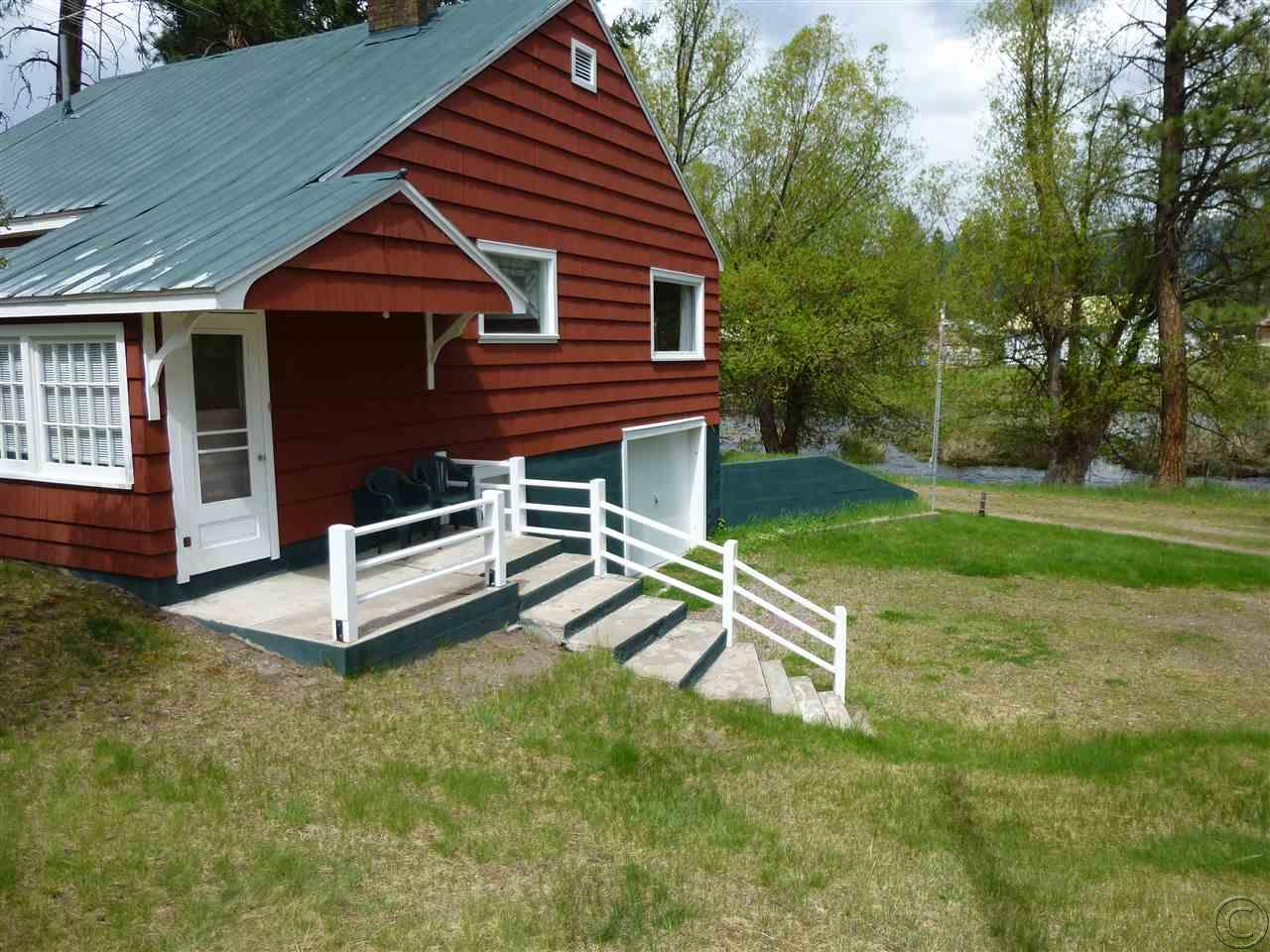 1025 Riverview Dr, Seeley Lake, MT 59868