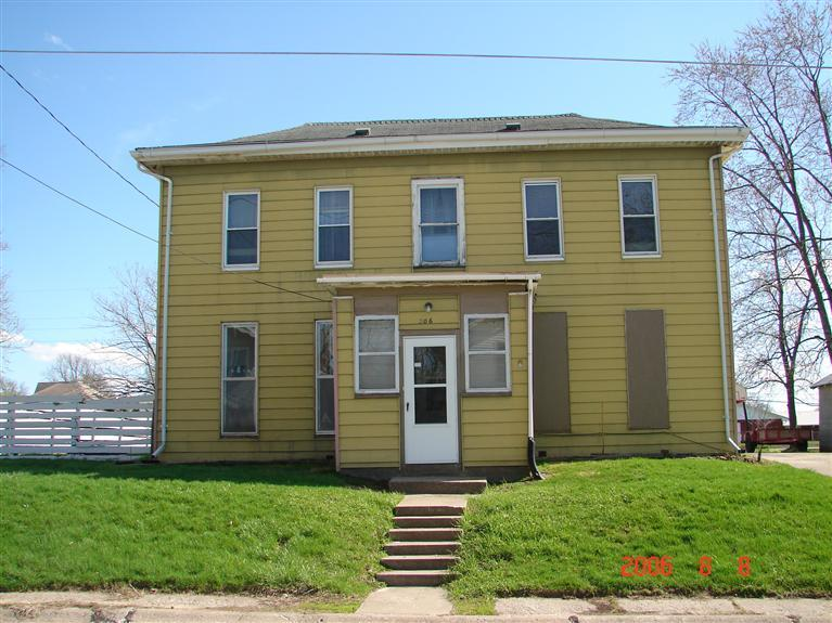 206 W Franklin St, Mt Pleasant, IA 52641