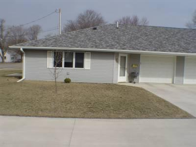 301 E Butternut Ln, Mt Pleasant, IA 52641