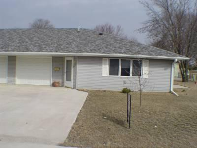 303 E Butternut Ln, Mt Pleasant, IA 52641