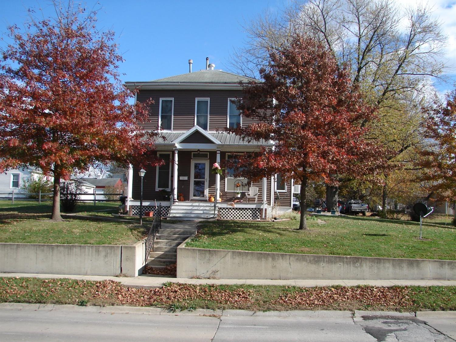 302 S White St, Mount Pleasant, IA 52641
