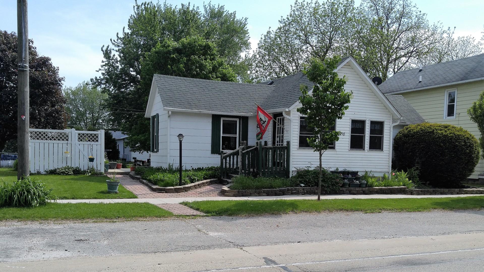 Photo of 418 Main Street  STEWARD  IL