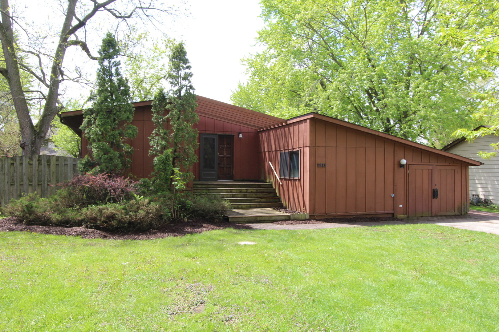 Photo of 1111 West Violet Drive  HOLIDAY HILLS  IL