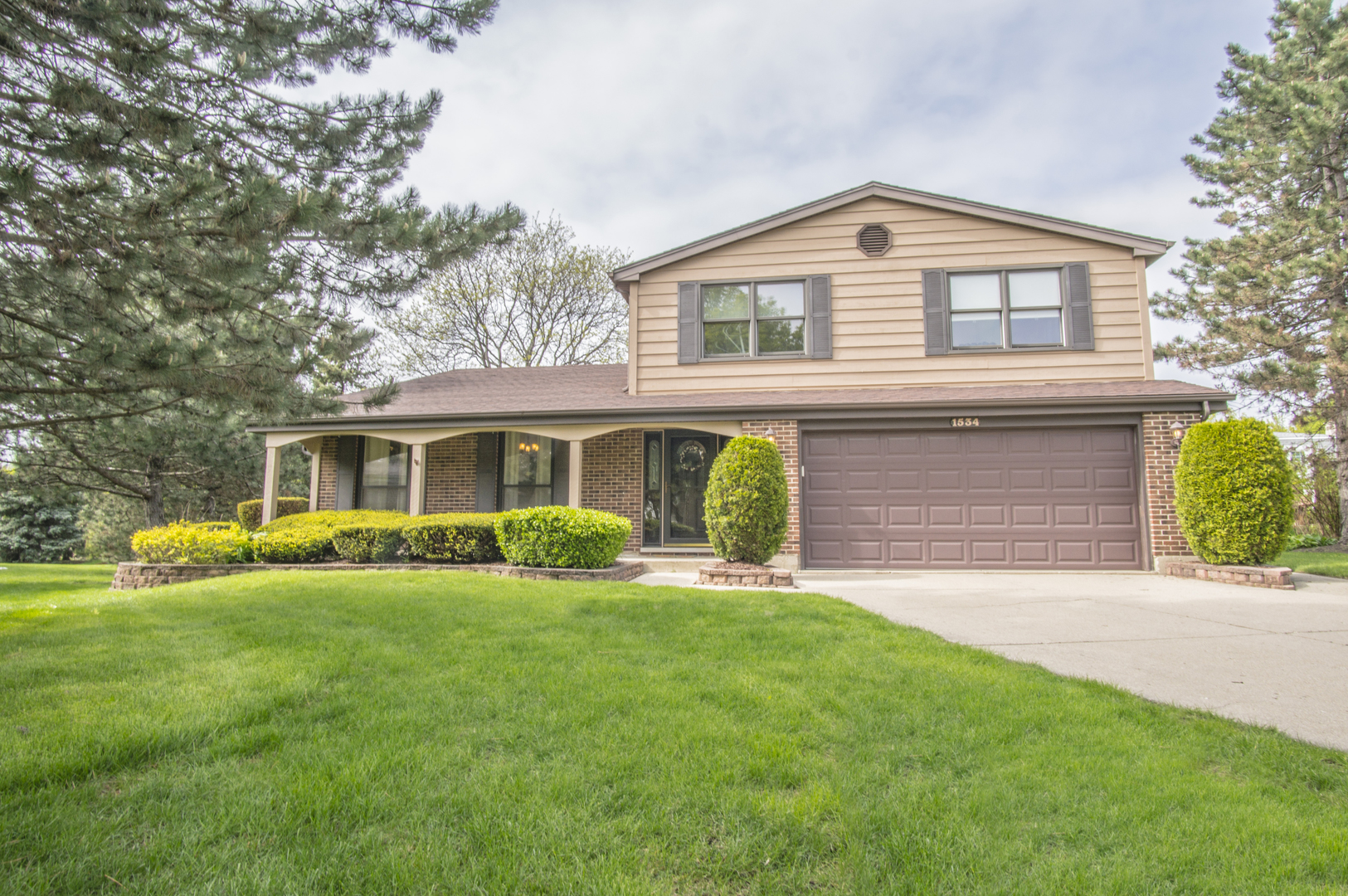 1534 South Kaspar Avenue, Arlington Heights in Cook County, IL 60005 Home for Sale