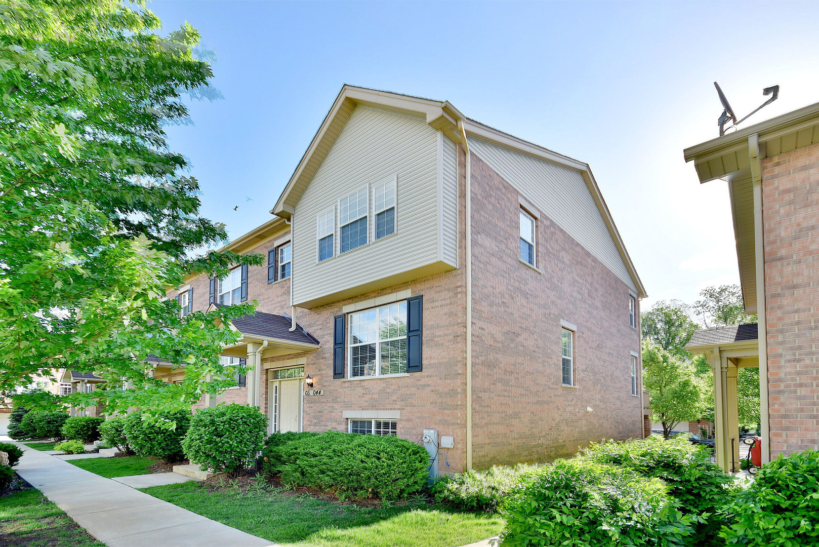 Photo of 0S044 Kerry Court  WINFIELD  IL