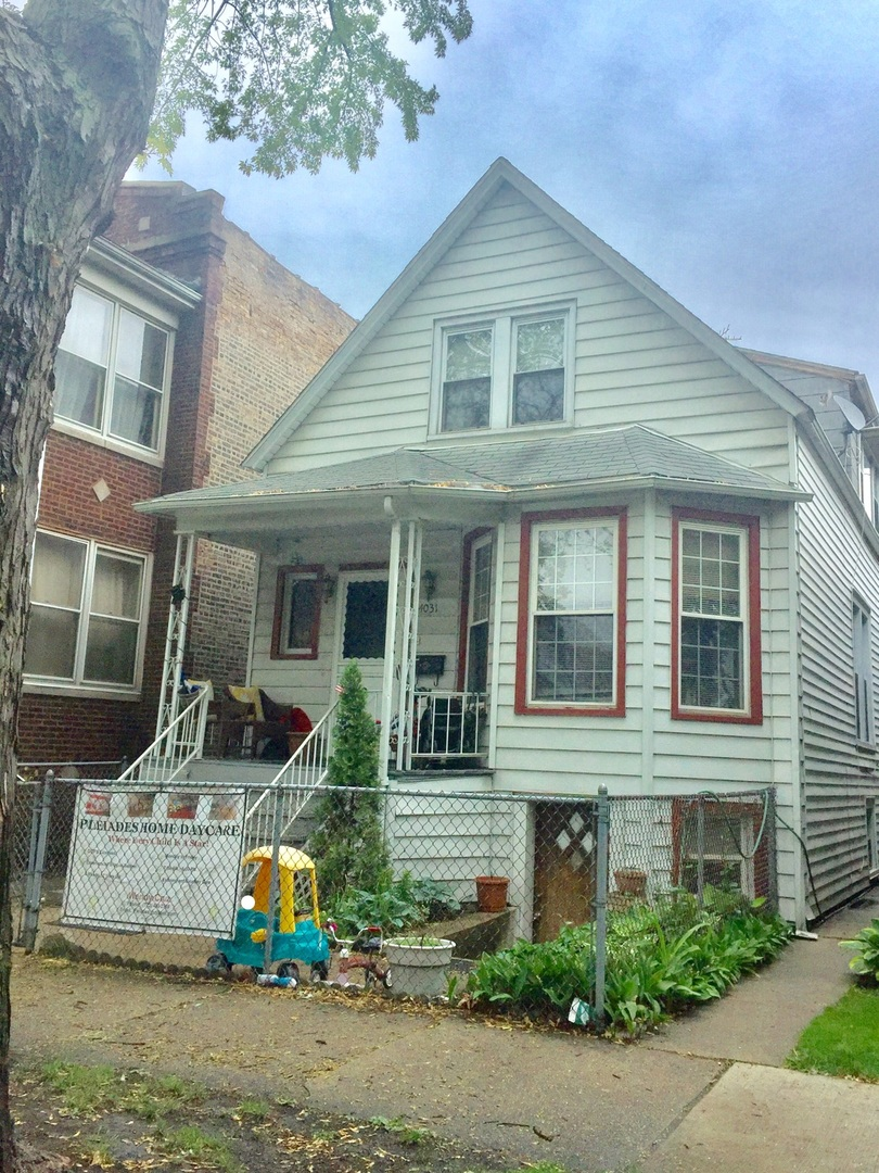 Photo of 4031 North Spaulding Avenue  CHICAGO  IL