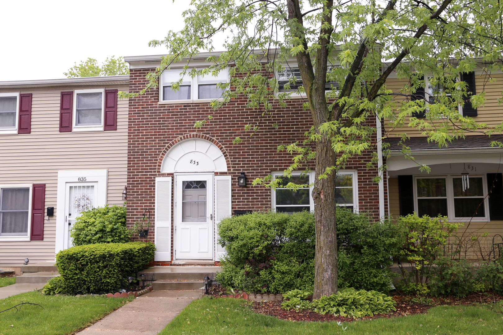 Photo of 833 Carnaby Court  SCHAUMBURG  IL