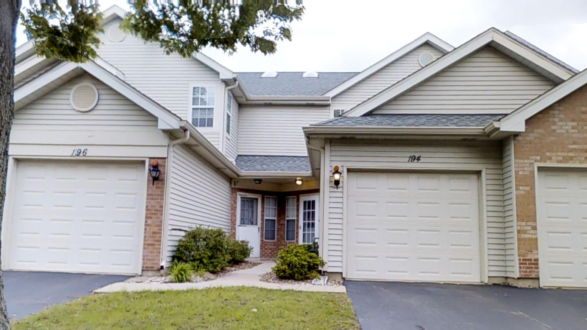 Photo of 194 Golfview Drive  GLENDALE HEIGHTS  IL