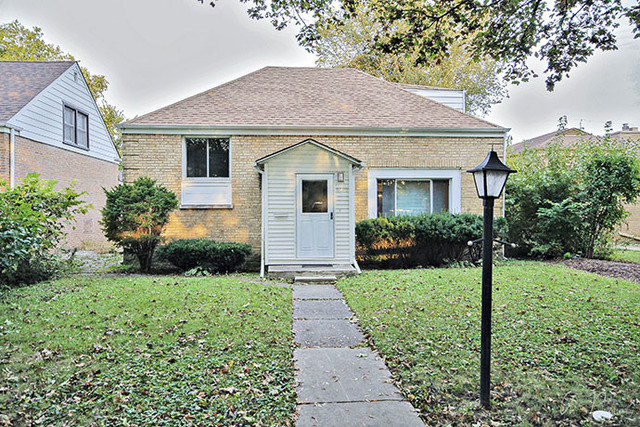 Photo of 6719 North Lawndale Avenue  LINCOLNWOOD  IL