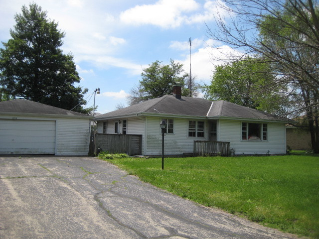 Photo of 1595 East division Street  DIAMOND  IL
