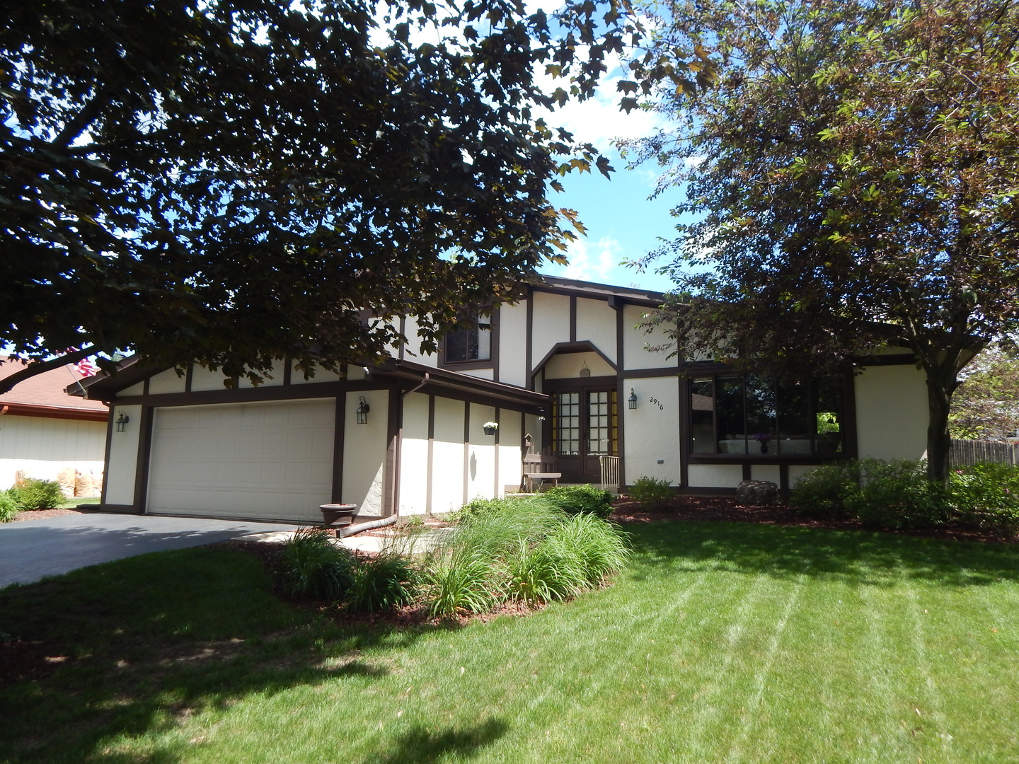 Photo of 2916 Northcreek Drive  WOODRIDGE  IL