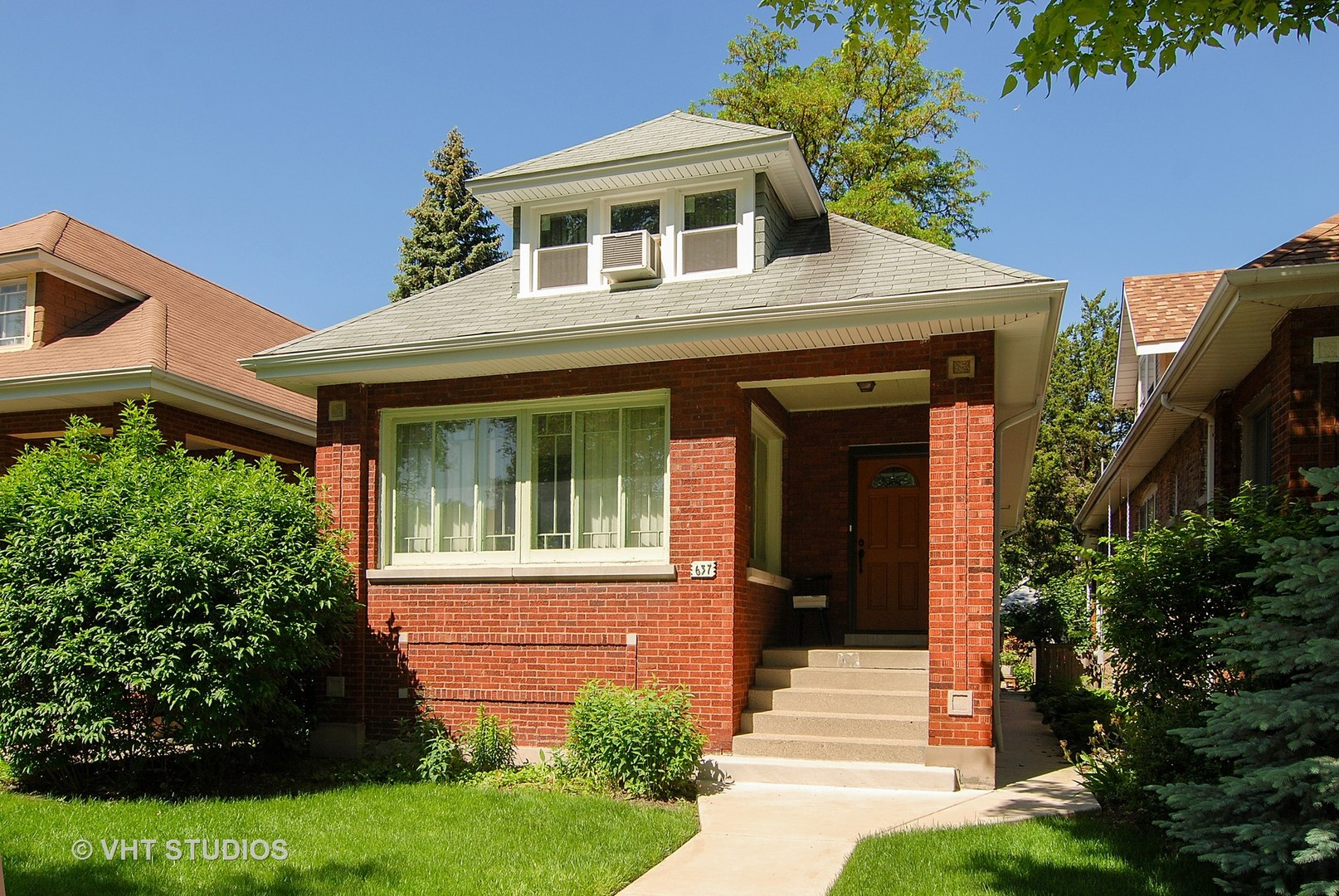 Photo of 637 Clarence Avenue  OAK PARK  IL
