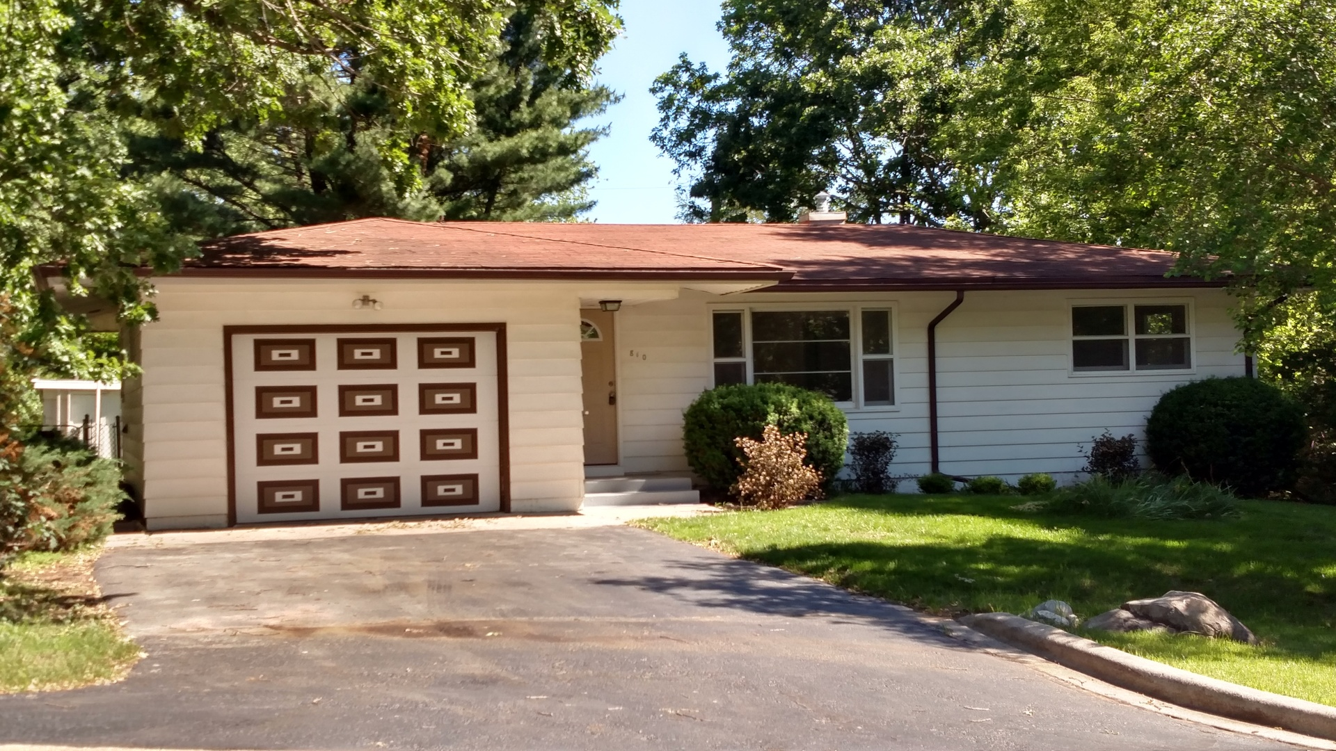 Photo of 810 Annabelle Street  MCHENRY  IL