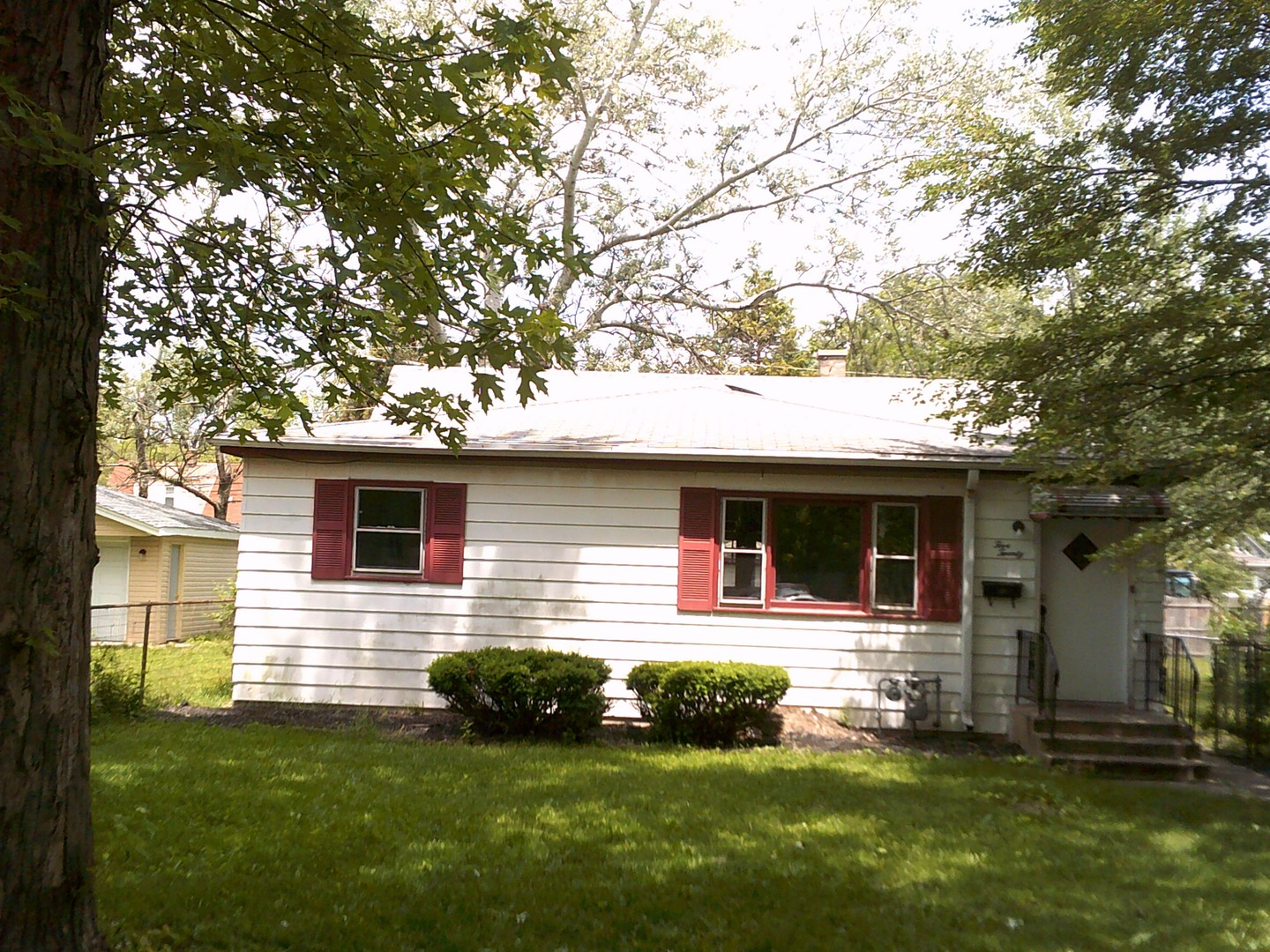 Photo of 520 East 144TH Place  DOLTON  IL