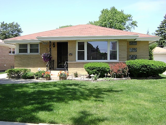 Photo of 7056 West Cleveland Street  NILES  IL