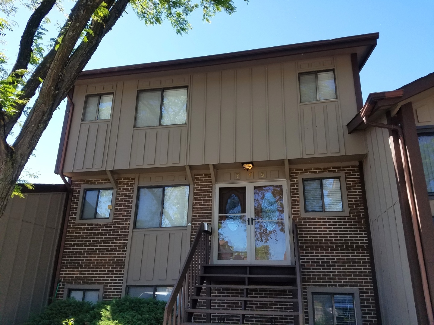 Photo of 715 Circle Drive  ROSELLE  IL