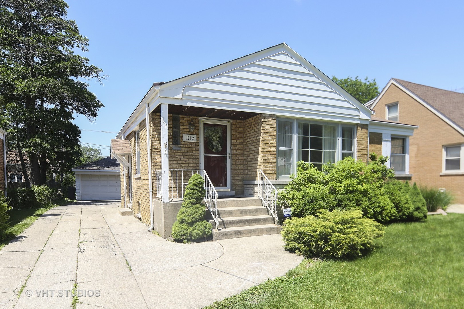 Photo of 1212 BLANCHAN Avenue  LA GRANGE PARK  IL