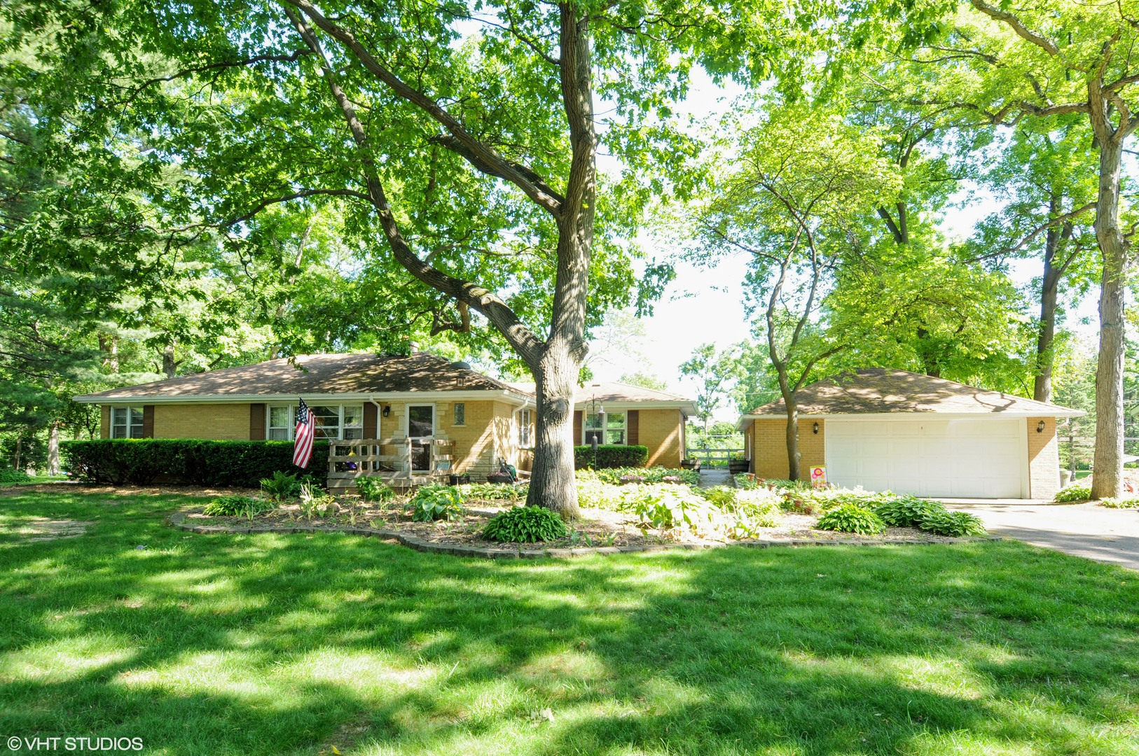 Photo of 27W722 Hickory Lane  WEST CHICAGO  IL