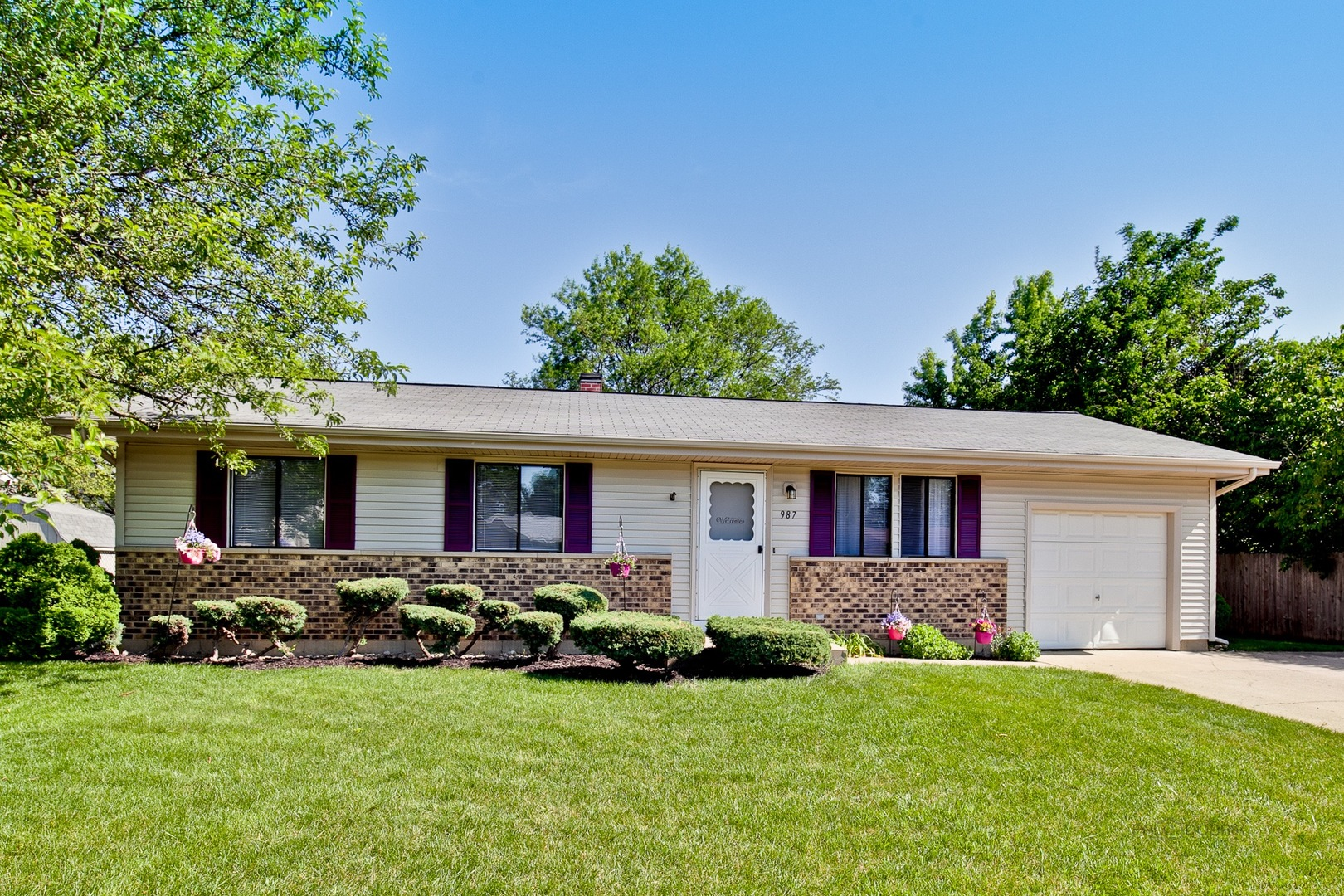 Photo of 987 Camelot Drive  CRYSTAL LAKE  IL