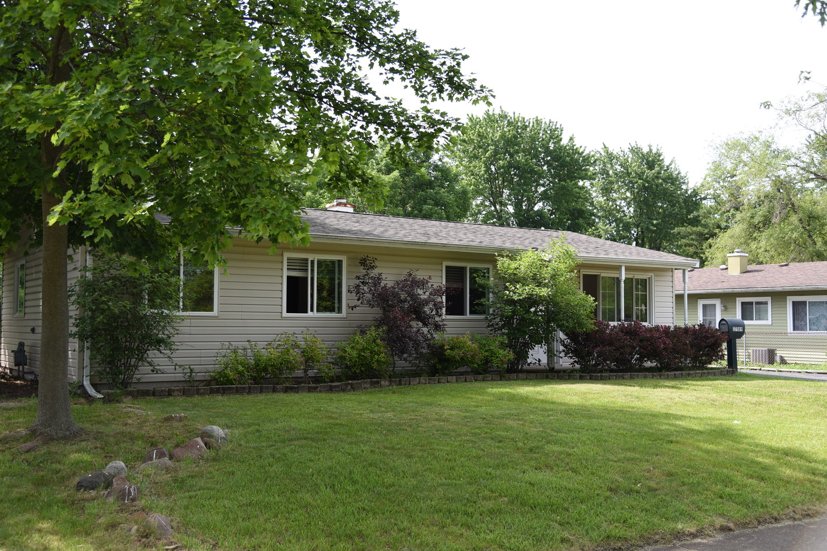Photo of 37089 North Grandwood Drive  GURNEE  IL