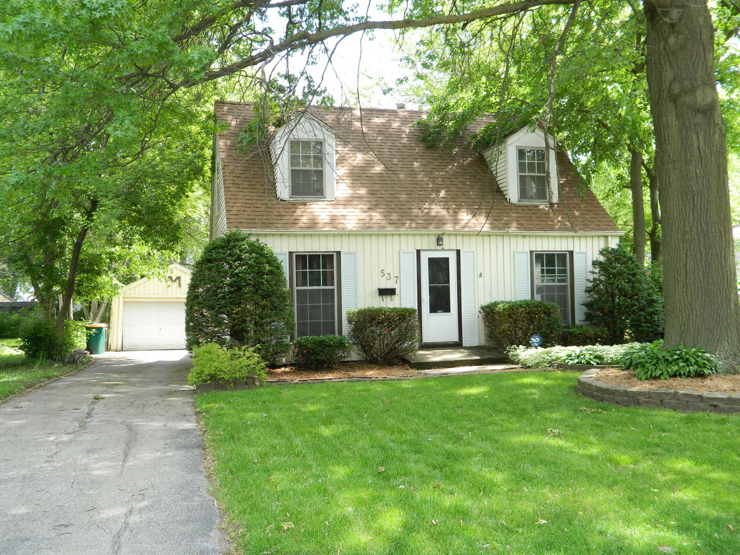 Photo of 537 Miller Drive  ELGIN  IL