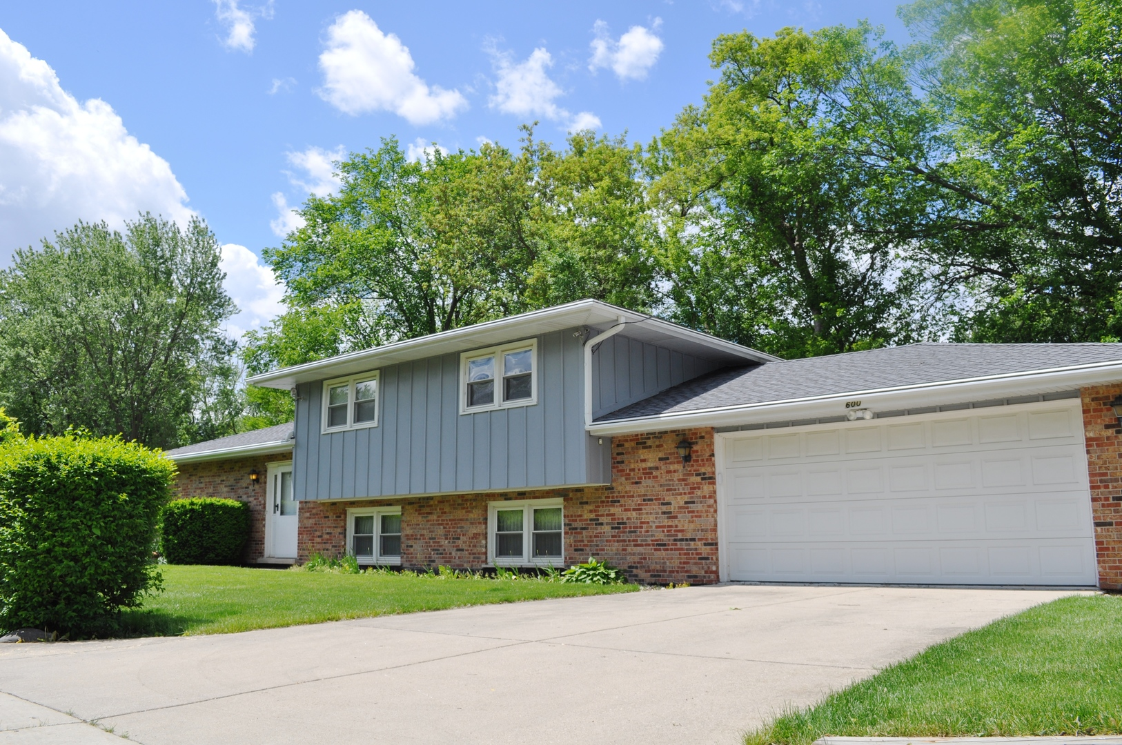 Photo of 600 Grego Court  PROSPECT HEIGHTS  IL