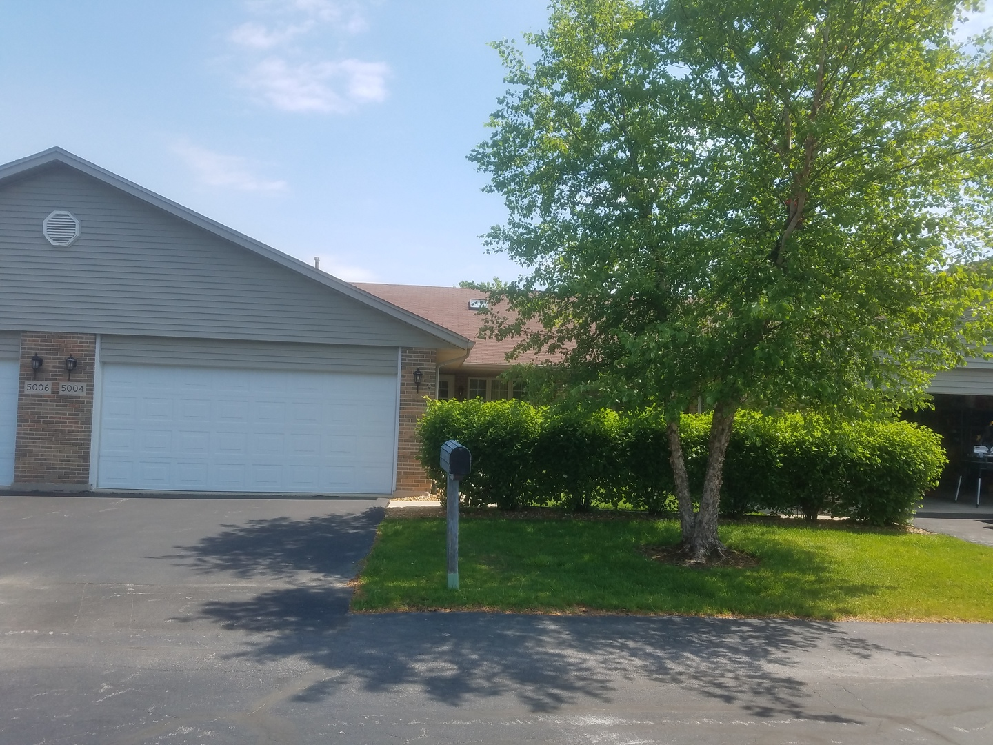 Photo of 5004 West CIRCLE Place  CRESTWOOD  IL