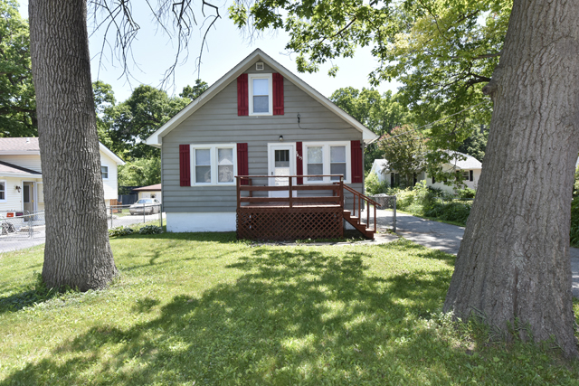 Photo of 1435 3rd Street  WINTHROP HARBOR  IL
