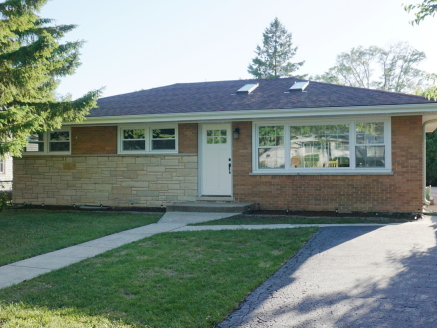 Photo of 322 Judson Street  BENSENVILLE  IL