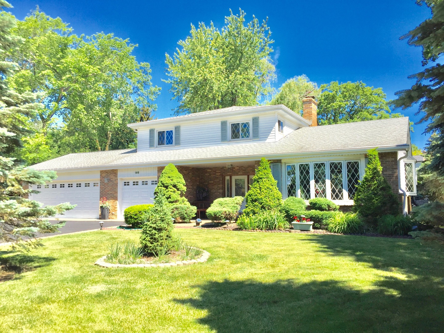 Photo of 108 East Old Elm Road  LAKE FOREST  IL