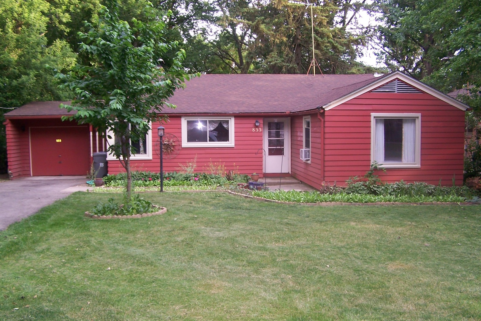 Photo of 833 FOREST Avenue  ELGIN  IL