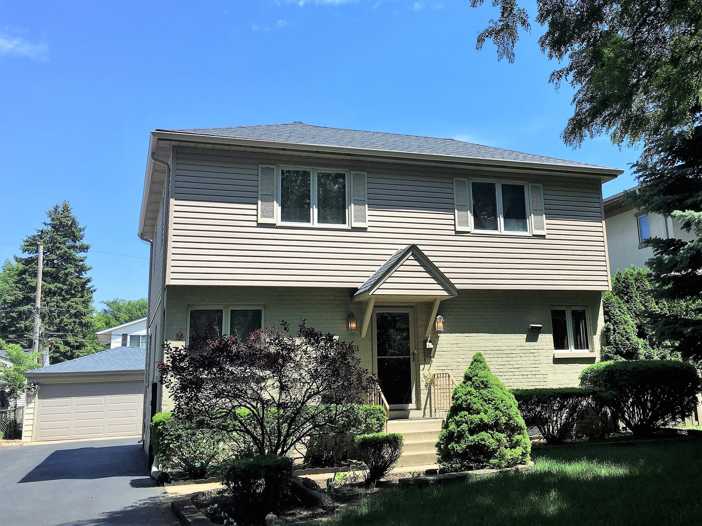 Photo of 511 Justina Street  HINSDALE  IL
