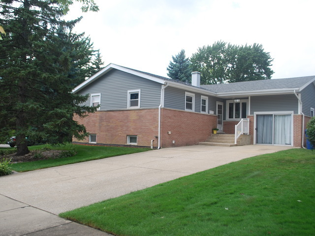 Photo of 9046 SYCAMORE Drive  HICKORY HILLS  IL
