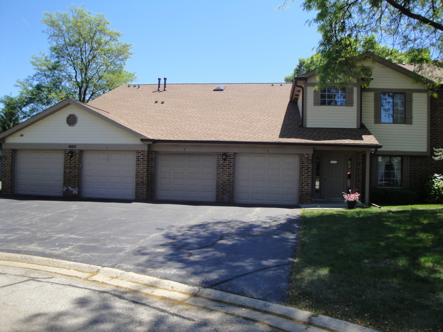 Photo of 1605 West Partridge Court  ARLINGTON HEIGHTS  IL