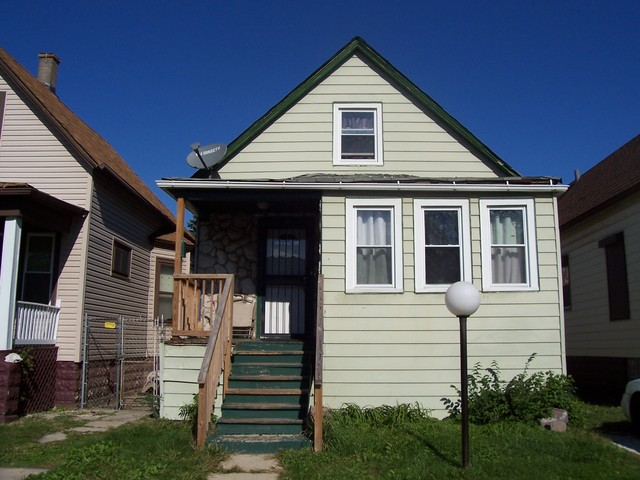 Photo of 36 West 105th Street  CHICAGO  IL
