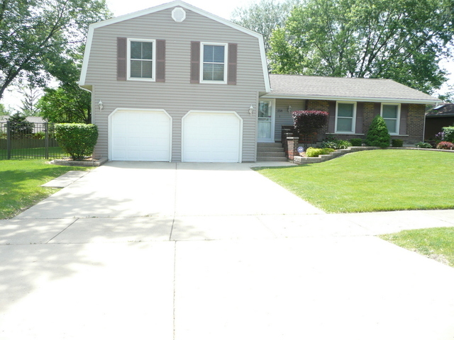 Photo of 258 Fremont Court  BLOOMINGDALE  IL