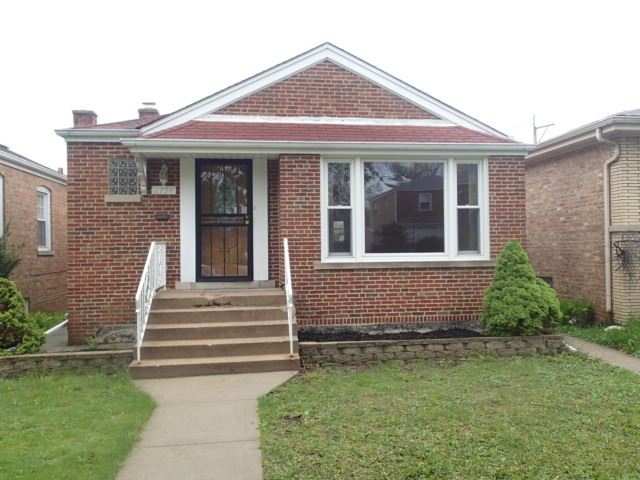 Photo of 2754 West Farwell Avenue  CHICAGO  IL