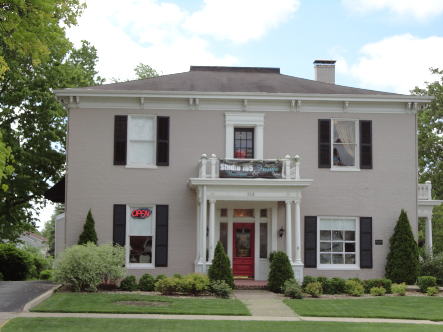 Photo of 318 West Main Street  Shelbyville  IL