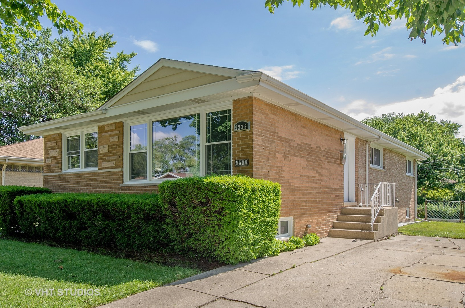 9233 Keating Avenue, Skokie in Cook County, IL 60076 Home for Sale