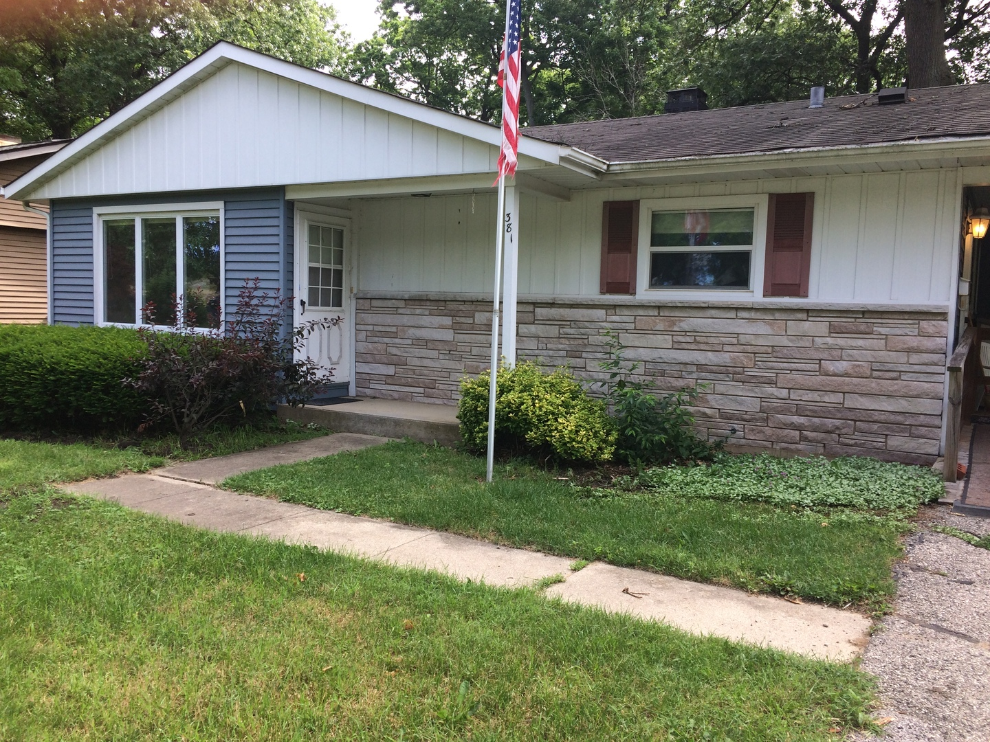 381 Hickory Drive, Crystal Lake in Mc Henry County, IL 60014 Home for Sale