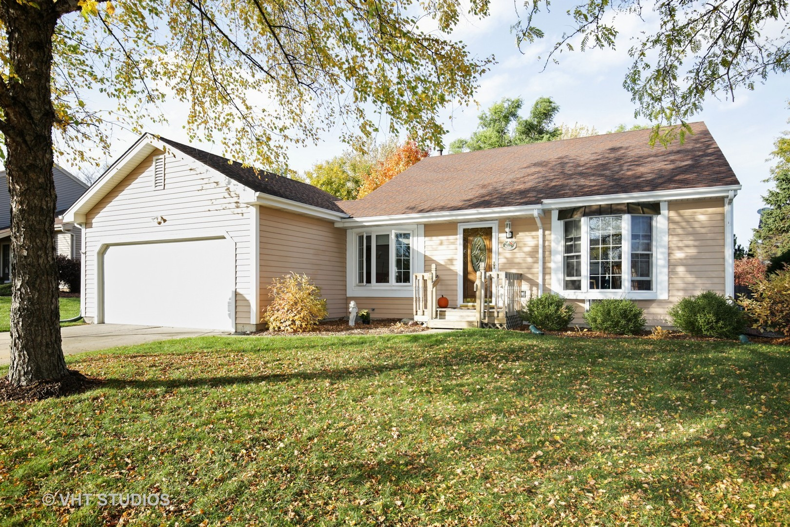 1094 Plum Tree Drive, Crystal Lake in Mc Henry County, IL 60014 Home for Sale