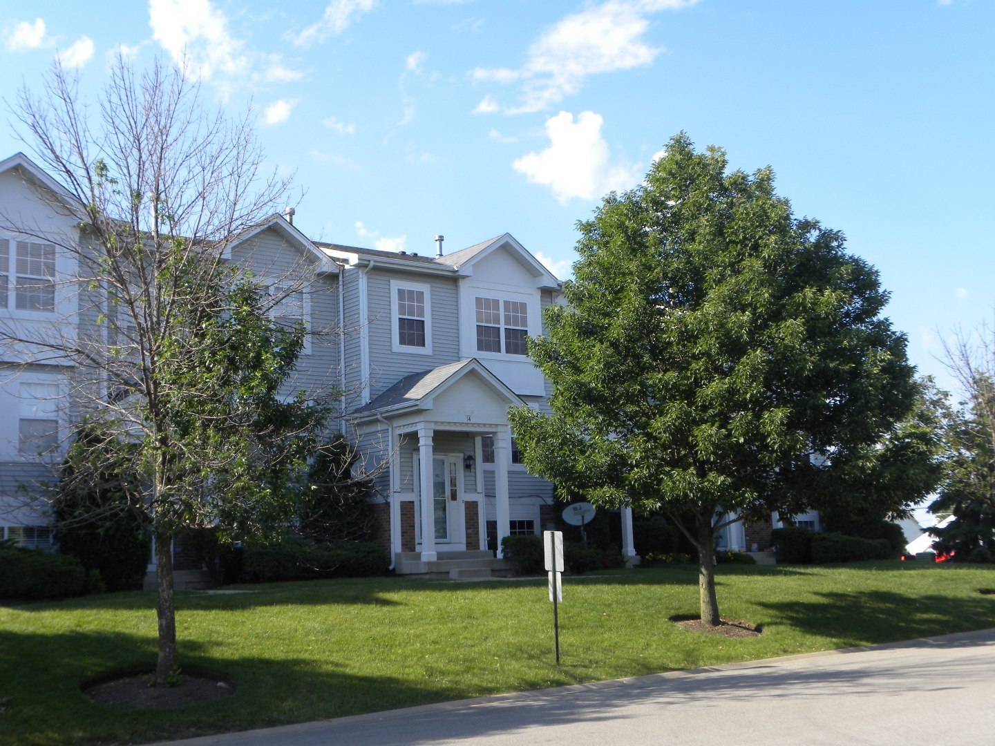 Photo of 14 West Big Horn Drive  HAINESVILLE  IL